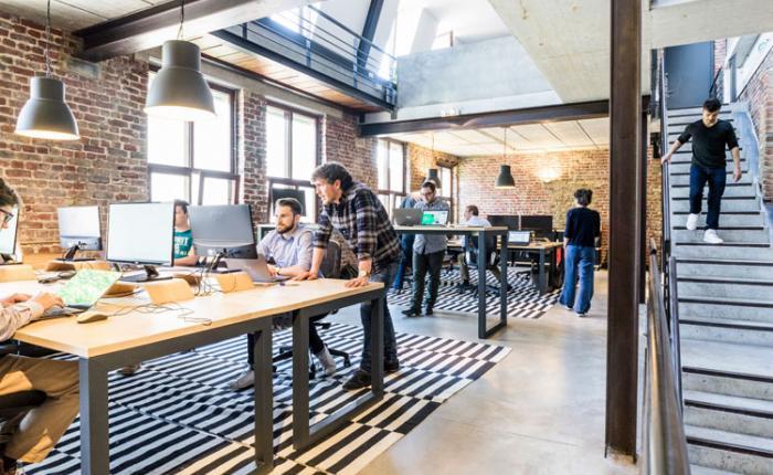 10 essential branding tips for startups.